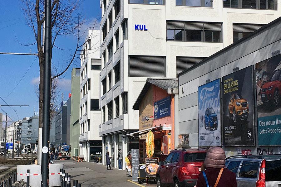 Prototyp Schriftzug an der Fassade des Kulturparks